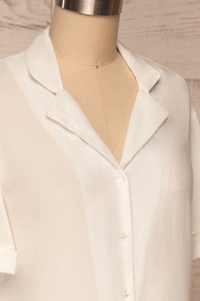 Soresina White Short Sleeved Shirt | La petite garçonne side close up