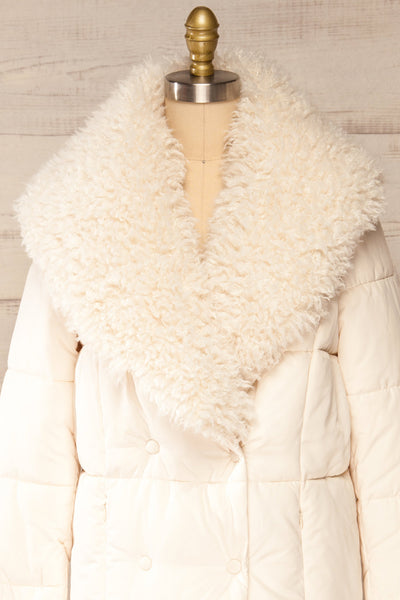 Spoleto Ivory Long Quilted Coat | La petite garçonne fur close-up