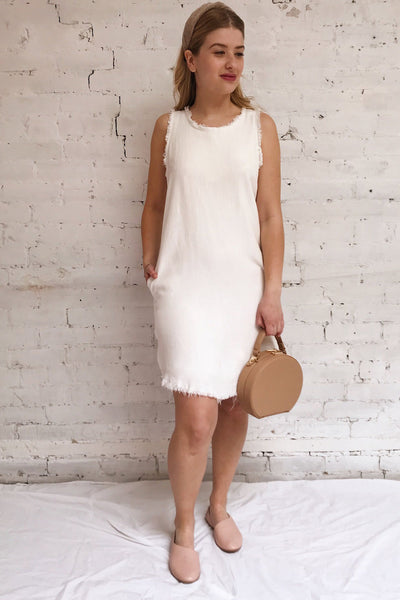 Sucua Ivory White Straight Short Dress | La petite garçonne model look