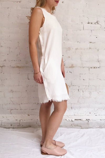 Sucua Ivory White Straight Short Dress | La petite garçonne on model