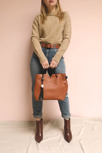 Jasmine Cognac Faux-Leather Pixie Mood Tote Bag | La Petite Garçonne model look