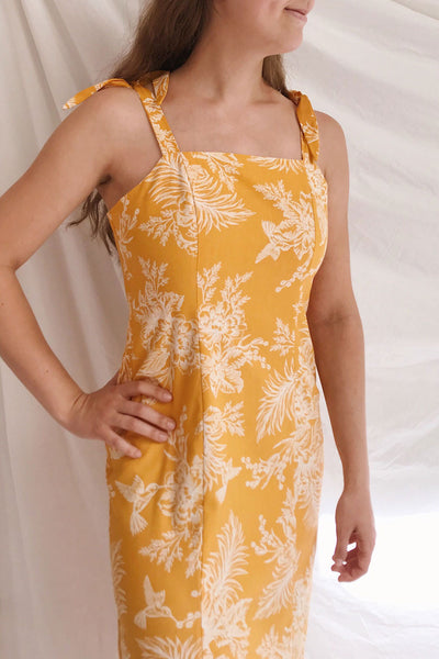 Tarouca Yellow Patterned Midi Dress | La petite garçonne on model