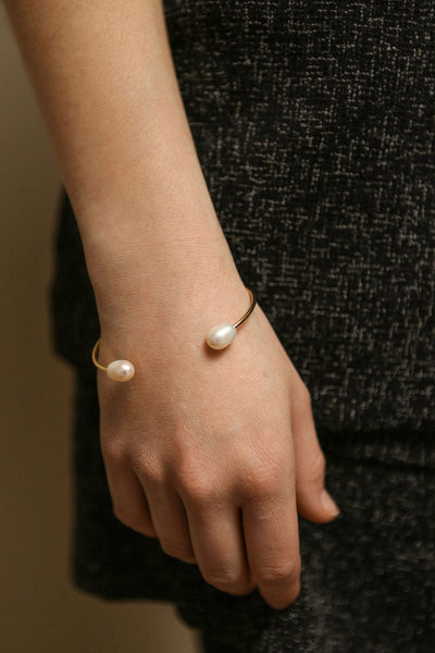 Tertium Doré Gold Bangle Bracelet with Pearls | La Petite Garçonne 4