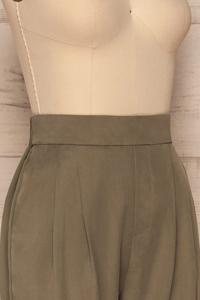 Tintigny Khaki Green Straight Leg Pants | La petite garçonne side close up