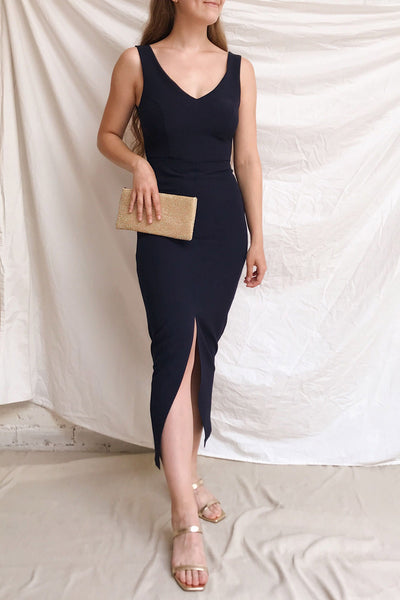 Tivoli Navy Blue V-Neck Midi Dress | La petite garçonne model look