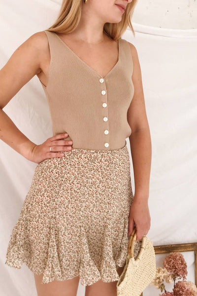 Arriphe Beige Ribbed Button-Up Cami | La petite garçonne model look 2