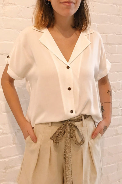 Buzau White Buttoned Short Sleeved Top | La petite garçonne on model