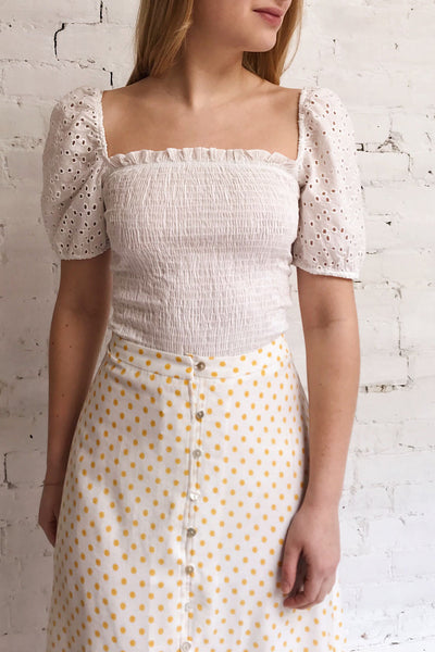 Faraas White Short Sleeve Ruched Top | La petite garçonne on model 1
