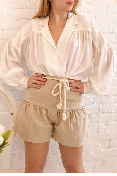 Cesena Beige Linen Shorts with Belt | La petite garçonne on model