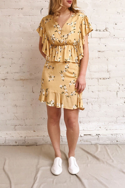 Thiten Yellow Floral Mini Skirt | Boutique 1861 model look