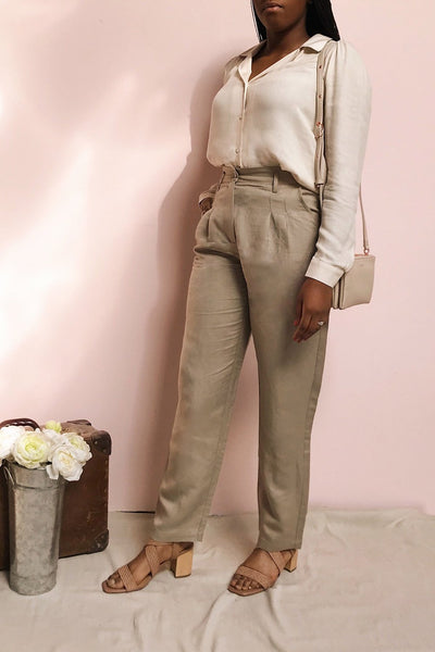 Tver Khaki High-Waisted Pants | La petite garçonne model look