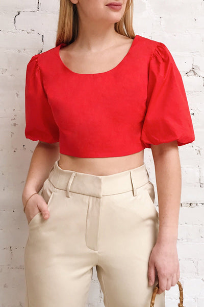 Rydzyna Red Short-Sleeved Crop Top | La petite garçonne model close up