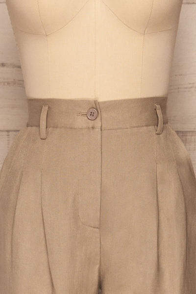 Tver Beige High-Waisted Straight Leg Pants front close up | La petite garçonne