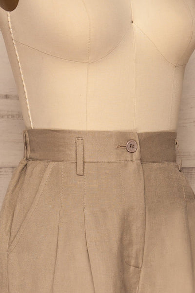 Tver Beige High-Waisted Straight Leg Pants side close up | La petite garçonne