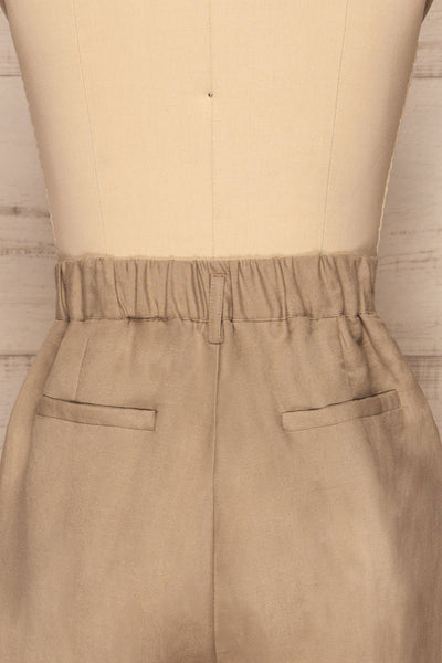 Tver Beige High-Waisted Straight Leg Pants back close up | La petite garçonne