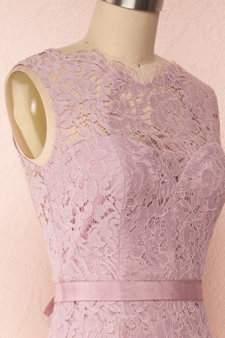 Uranie Mauve Lilac Lace Mermaid Gown | Boudoir 1861 side close-up