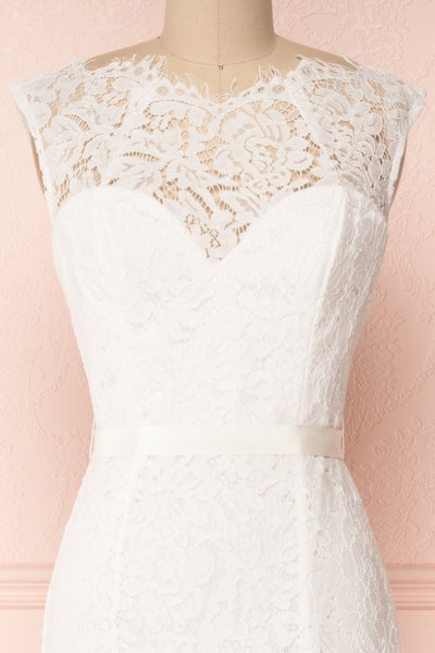 Uranie Ivoire Ivory Lace Mermaid Gown | Boudoir 1861 front close-up