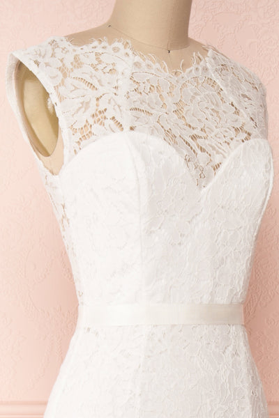 Uranie Ivoire Ivory Lace Mermaid Gown | Boudoir 1861 side close-up