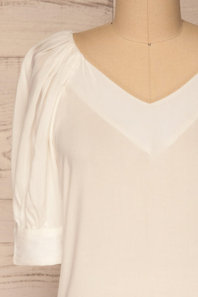 Vouzela White T-Shirt w/ Puffy Sleeves | La petite garçonne front close-up