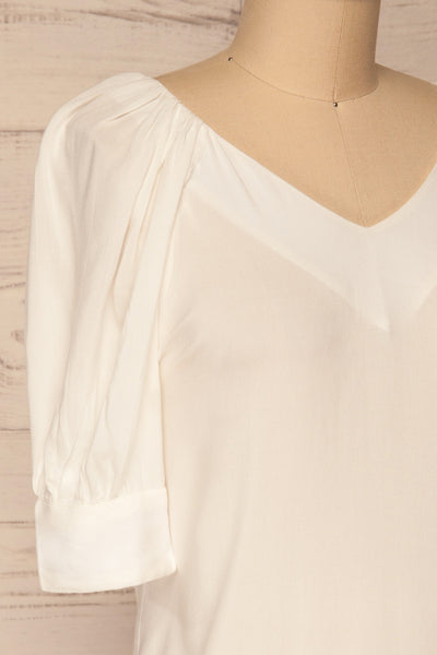 Vouzela White T-Shirt w/ Puffy Sleeves | La petite garçonne side close-up