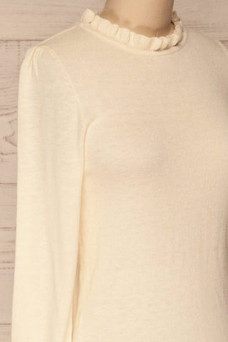 Wigan Beige Knit Sweater | Tricot Beige | La petite garçonne side close-up
