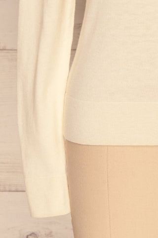 Wigan Beige Knit Sweater | Tricot Beige | La petite garçonne bottom close-up