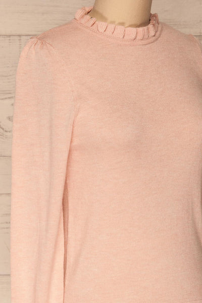 Wigan Rose Knit Sweater | Tricot Rose | La petite garçonne side close-up