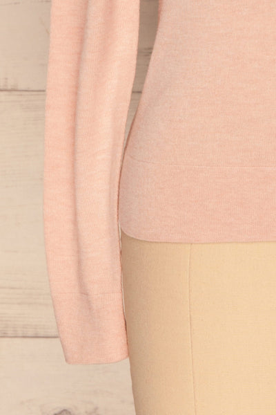 Wigan Rose Knit Sweater | Tricot Rose | La petite garçonne bottom close-up