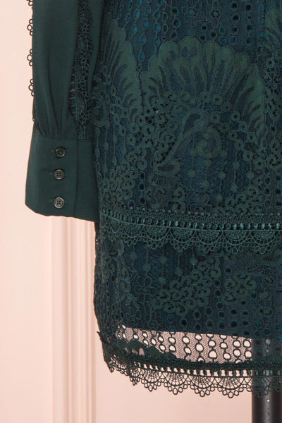 Winifred Emerald Lace Dress | Robe Cocktail sleeve close up | Boutique 1861