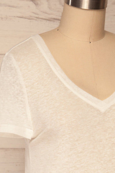 Winona White V-Neck T-Shirt | La petite garçonne side close up
