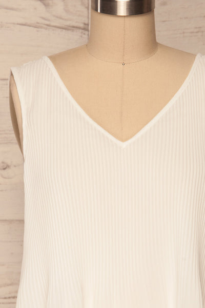 Xammes White V-Neck Pleated Cami | La petite garçonne front close up