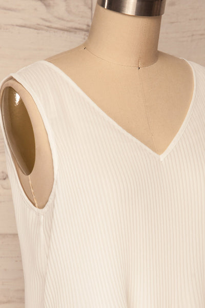 Xammes White V-Neck Pleated Cami | La petite garçonne side close up