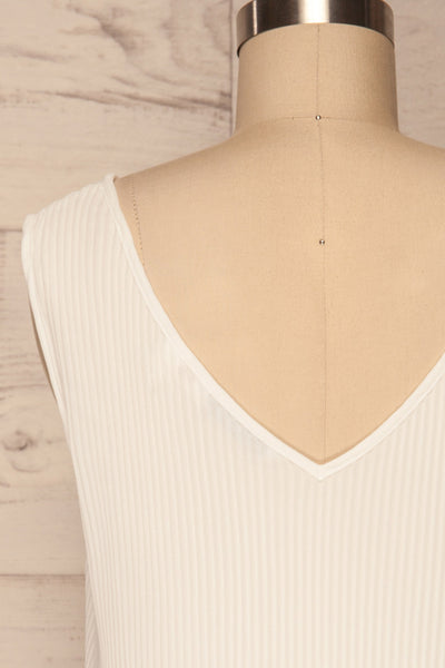 Xammes White V-Neck Pleated Cami | La petite garçonne back close up