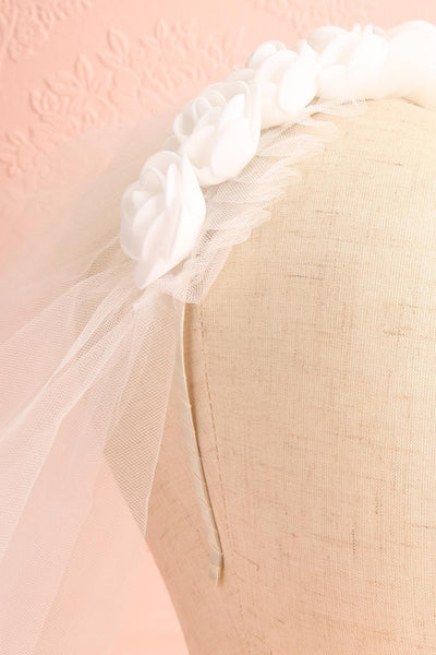 Abbrevio White Wedding Veil with Floral Headband | Boudoir 1861 4