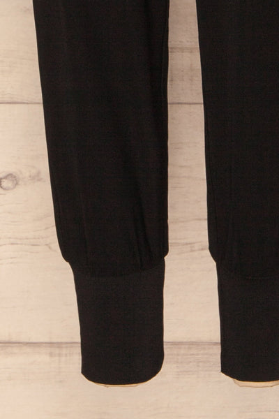 Ablancourt Noir Tapered Pants | Pantalon | La Petite Garçonne bottom close-up