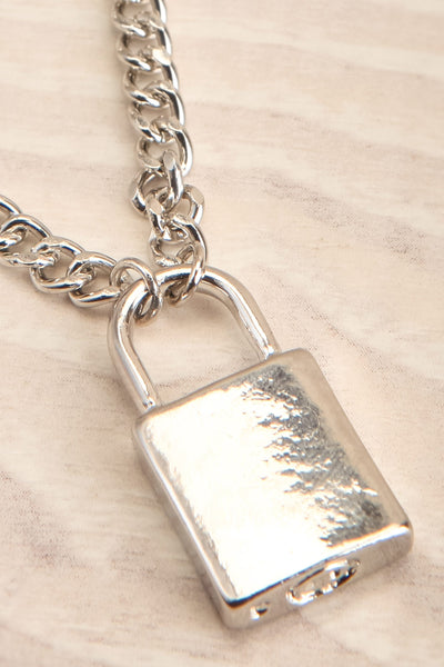 Acarus Argent Silver Chain Necklace with Padlock flat close-up | La Petite Garçonne