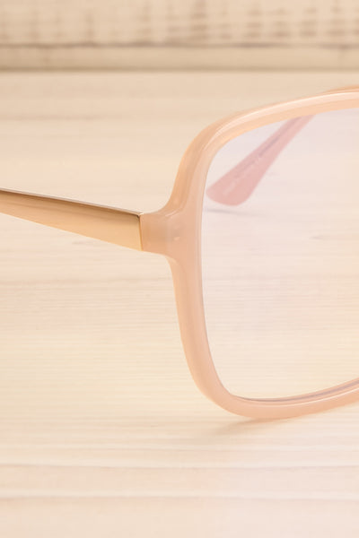 Acteon Blue Light Protection Glasses | La petite garçonne side close-up