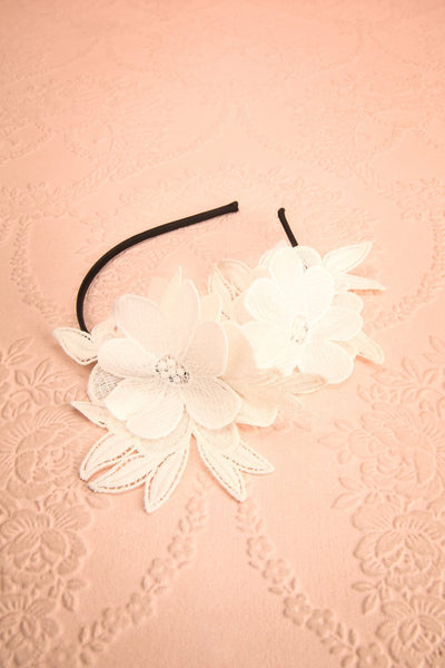 Aechméa - White mesh and embroideries Ophelie Hats headband 5