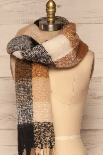 Aelwen Black & Beige Large Checkered Fuzzy Scarf over shoulder close up | La Petite Garçonne