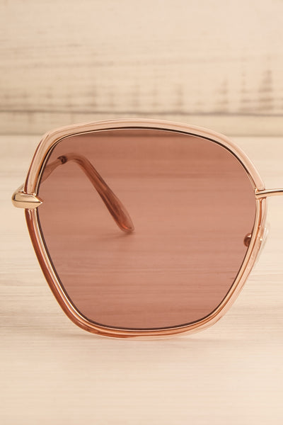 Agreste Peach & Taupe Sunglasses | La petite garçonne front close-up