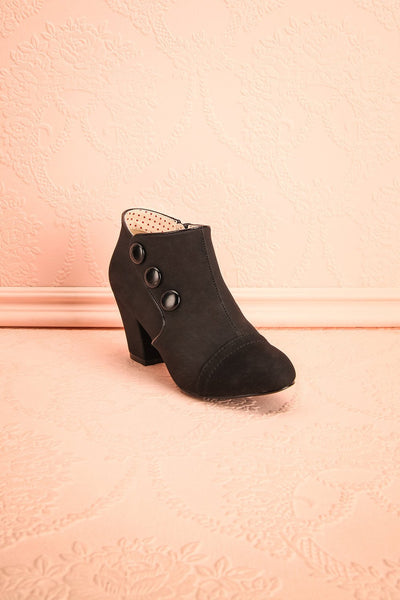 Alberton - Black solid B.A.I.T. ankle boots