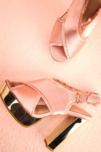 Alenne Blush Pink and Gold Platform Sandals | Boutique 1861