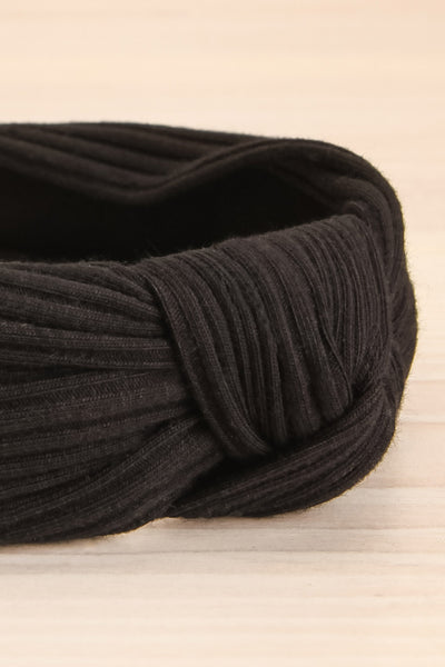 Almere Pepper Black Ribbed Knit Headband w Knot close-up | La Petite Garçonne