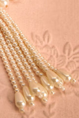 Augustifolia - Cream and golden dangling necklace