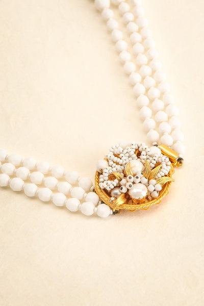 Anne Hyde White Vintage Necklace | Collier | Boudoir 1861 flat view