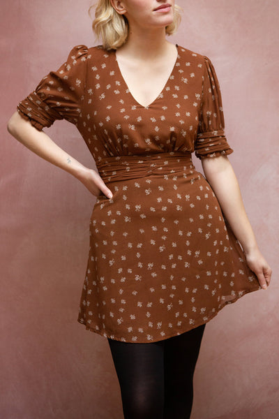 Aosagibi Brown Patterned Short Sleeve Dress | Boutique 1861 model