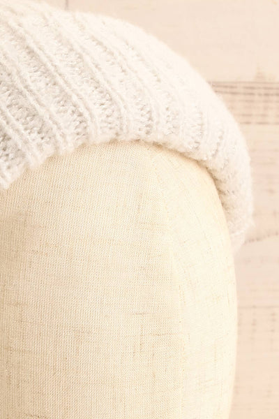 Apalda Gris Grey Knit Tuque with Pompom on head close-up | La Petite Garçonne