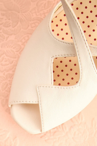 Astana - White crossed-strap B.A.I.T. heeled sandals