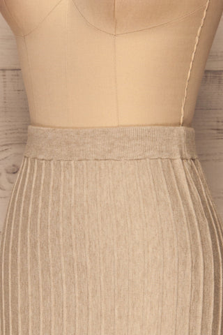 Aveiro Beige Knit Skirt | Jupe Beige | La Petite Garçonne side close-up
