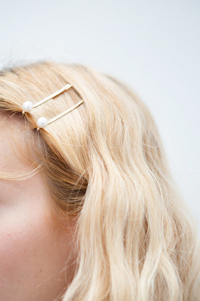 Avis Gros Set of Golden Hair Pins with Pearls | La Petite Garçonne model